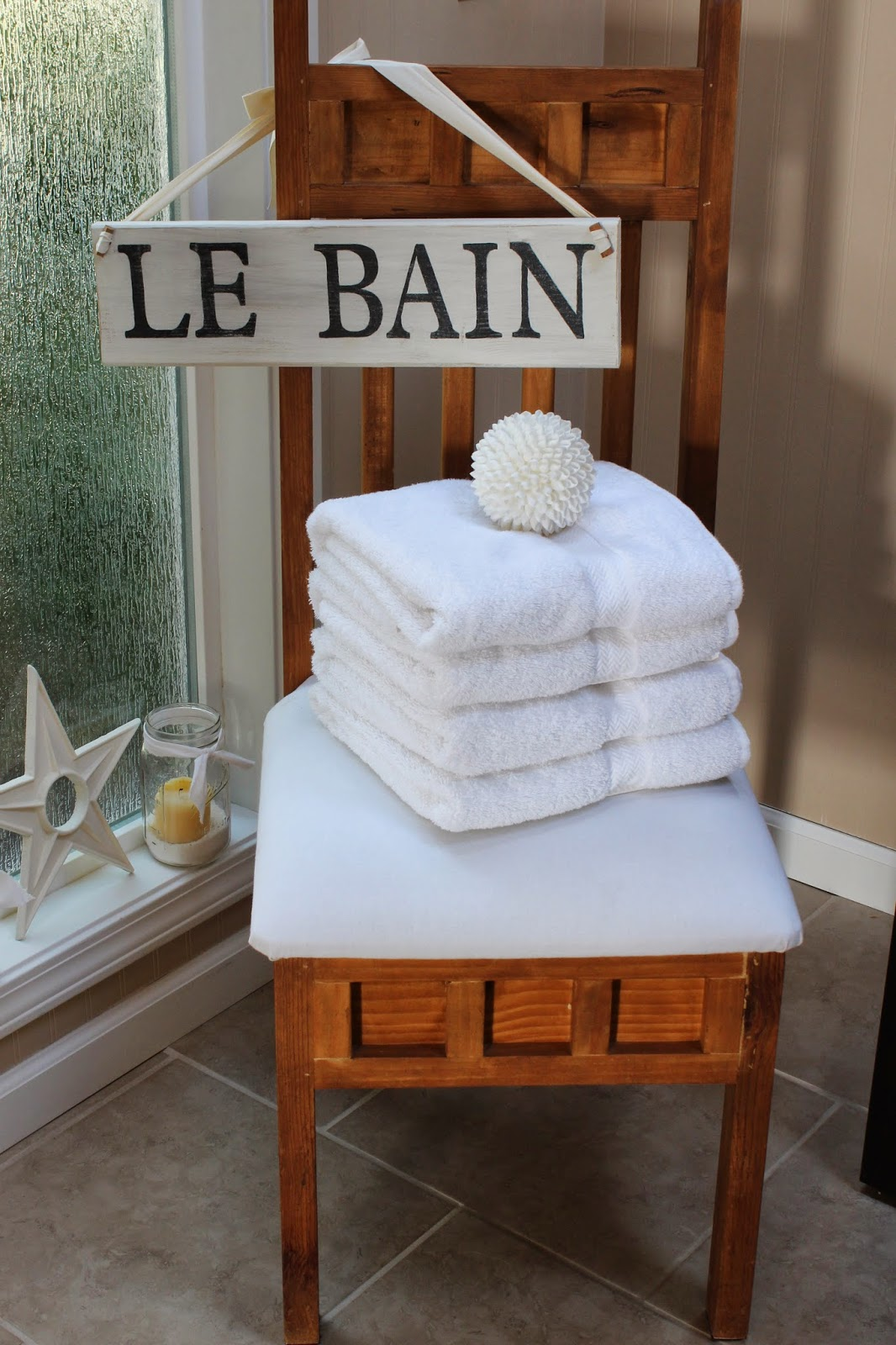 Le Bain Sign Bathroom. Girly Bathroom Decor