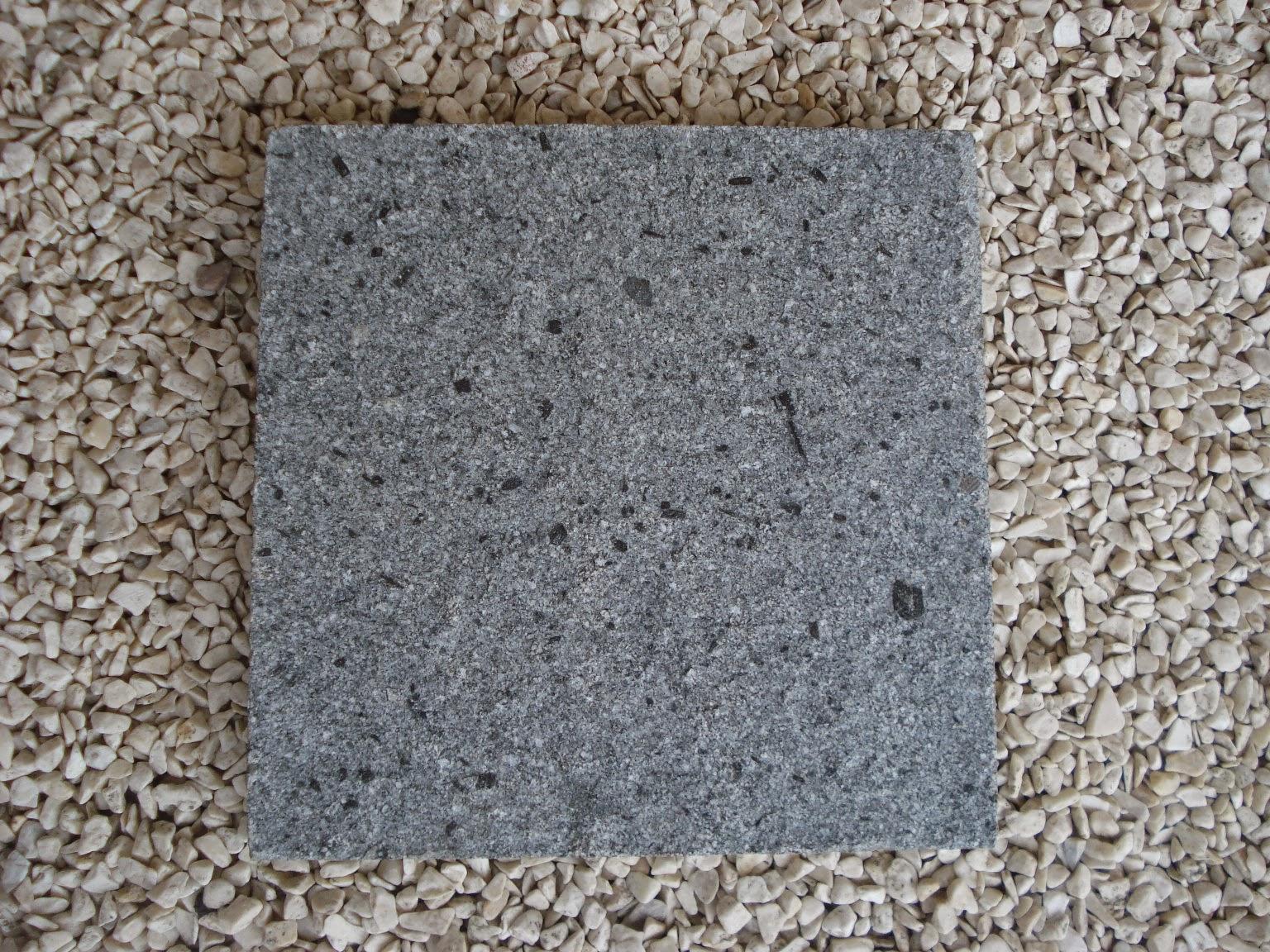 Batu Alam Andesit Bintik Bakar Cipanca