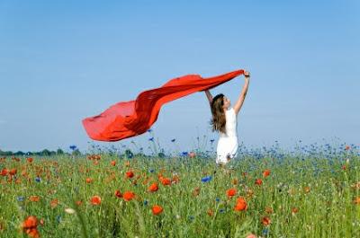 http://4.bp.blogspot.com/-dbFgi_Pc6_Y/T8JHeyHy-mI/AAAAAAAAAC4/dh4-okeioVo/s1600/woman+field.jpg