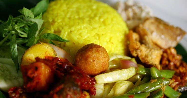 resep cara membuat nasi kuning menu buka puasa