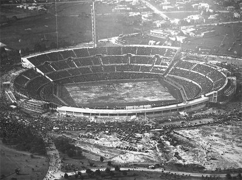 las tribunas del estadio centenario