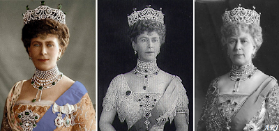 Queen Mary wearing the Cullinan VII diamond suspended from the Delhi Durbar Necklace