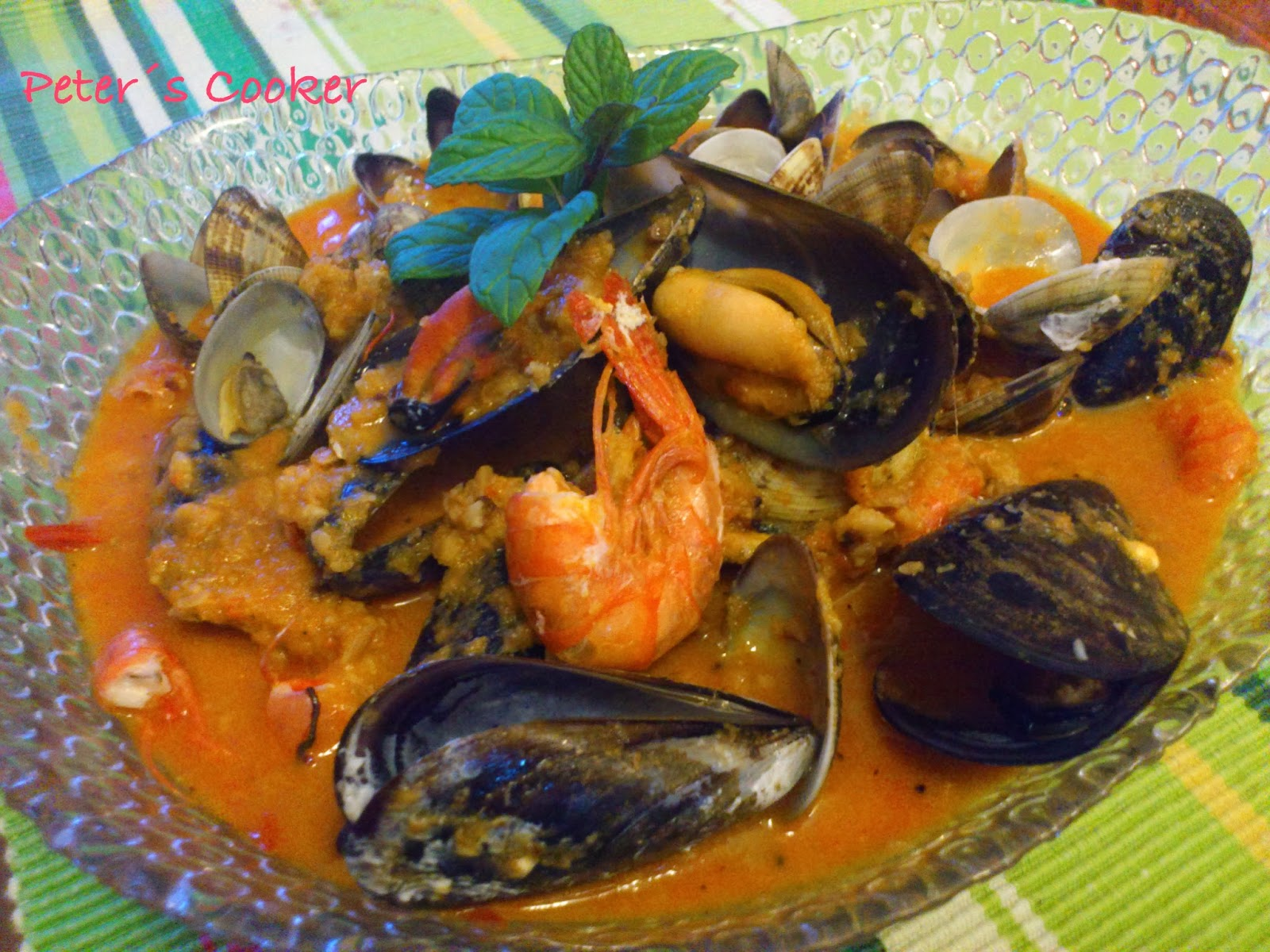 La tentaci n vive arriba zarzuela de pescado y marisco for Cocinar zarzuela