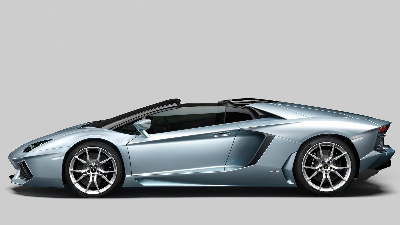 Lamborghini Aventador LP700 4 Roadster   AUTO REVIEW