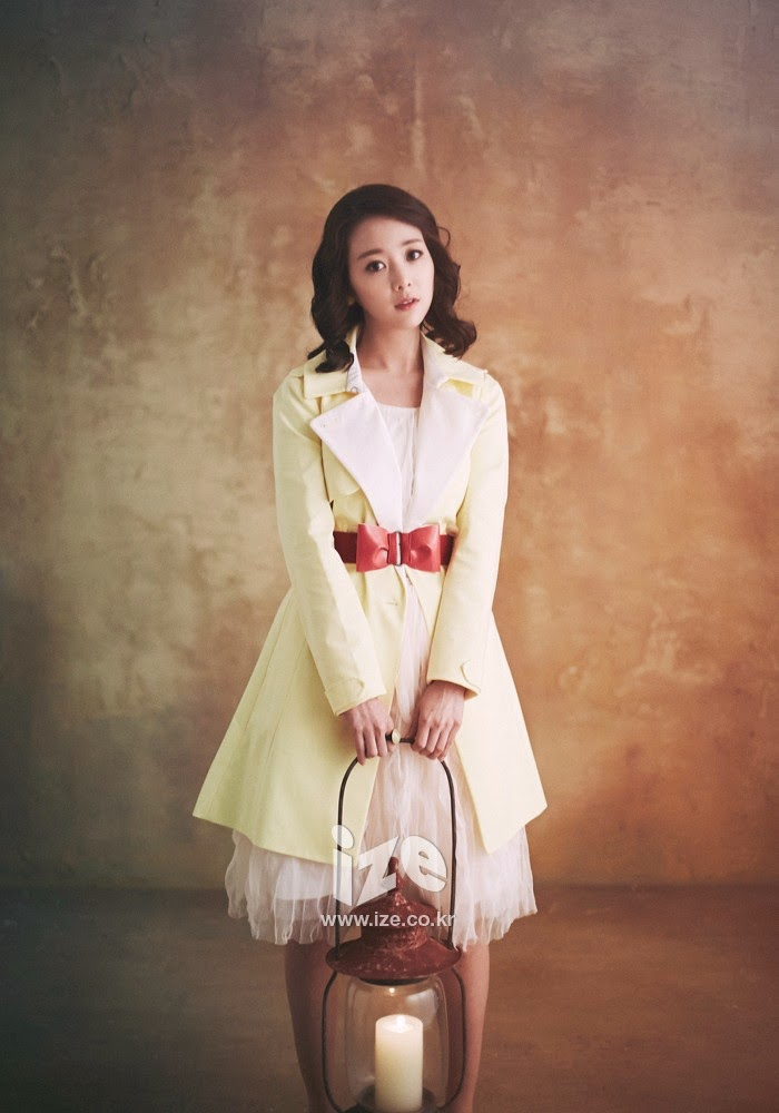 Son Yeo Eun - Ize Magazine March 2014