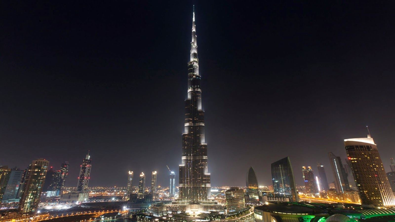 Burj khalifa tallest man made structure in the world in for Famous structures in dubai