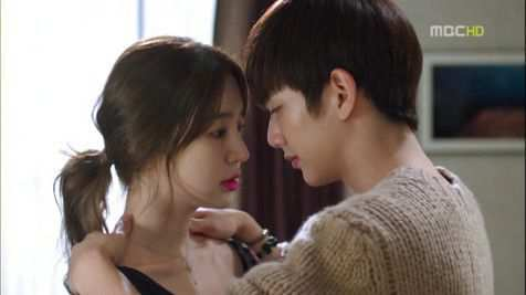 Hot kiss scene in bedroom korean drama