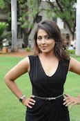 Madhu Shalini glam pics-thumbnail-13