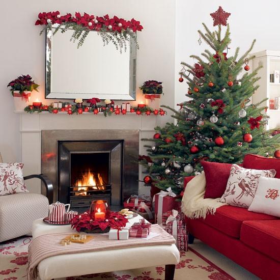 Delightful home 8 10 best christmas living room for Living room xmas ideas