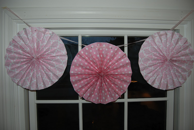 Home with lindsay how to make circle paper fans for Home decorations fan