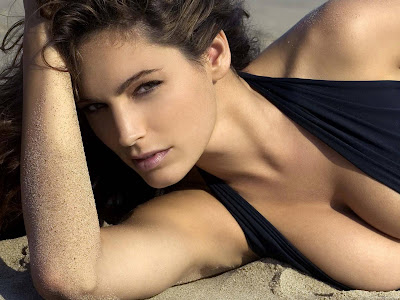 Kelly Brook Hot HD Wallpaper_152