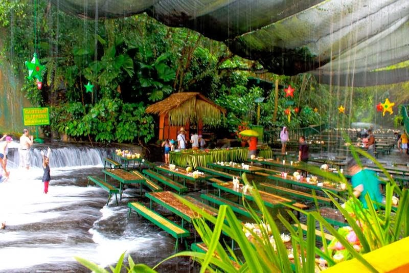 Most romantic restaurant in philippine waterfall for Villa escudero resort with the waterfalls restaurant in philippines