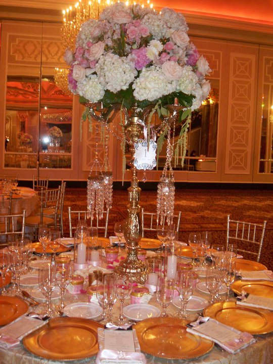 The theme colors was black gold ivory pink gold