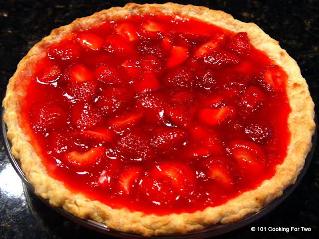 Easy Fresh Strawberry Pie Just Like Big Boy from 101 Cooking For Two