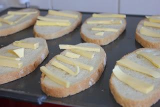 Bánh mì nướng bơ 3