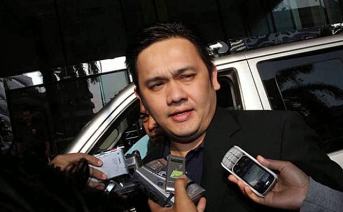 Farhat Abbas Diserang Arya Wiguna Di Mall (?)