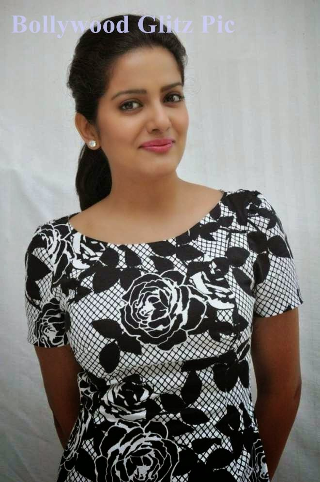 vishakha singh hot upskirt photos