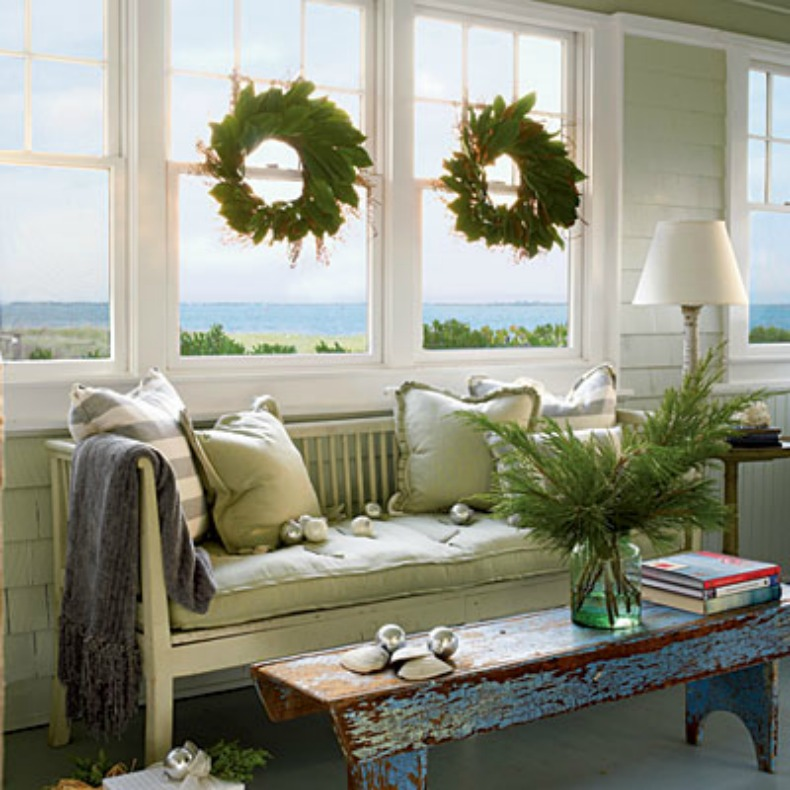 Coastal home inspirations on the horizon coastal holiday for Living room xmas ideas