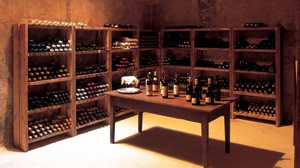 pequeña vinoteca o bodega del hotel finca