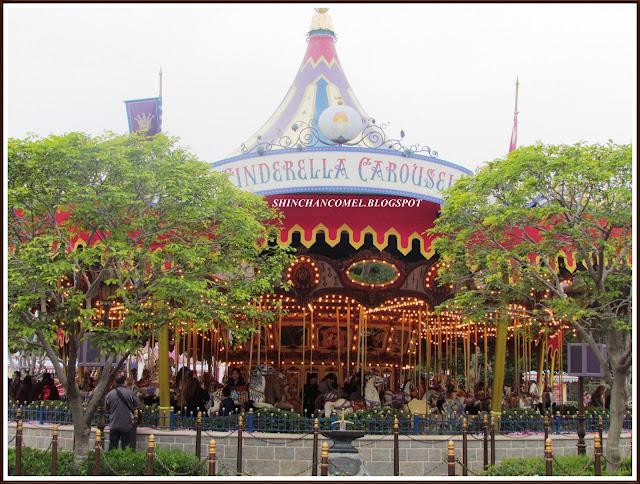 gambar disneyland hong kong istana castle cantik travel jalan tips mudah bercuti