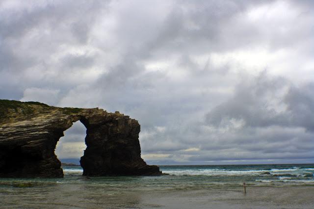 javi-lara-poesia-playa-catedrales