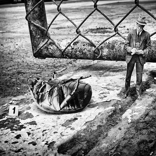 04-Urban-Crime-Scene-Yorch-Miranda-Vintage-Black-and-White-Photo-in-real Life-www-designstack-co