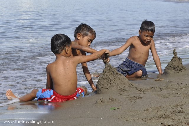 Kids playing at Marihatag's beach