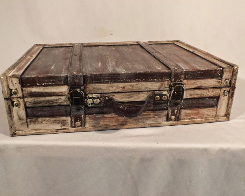 Bérelhető szögletes bőrönd
