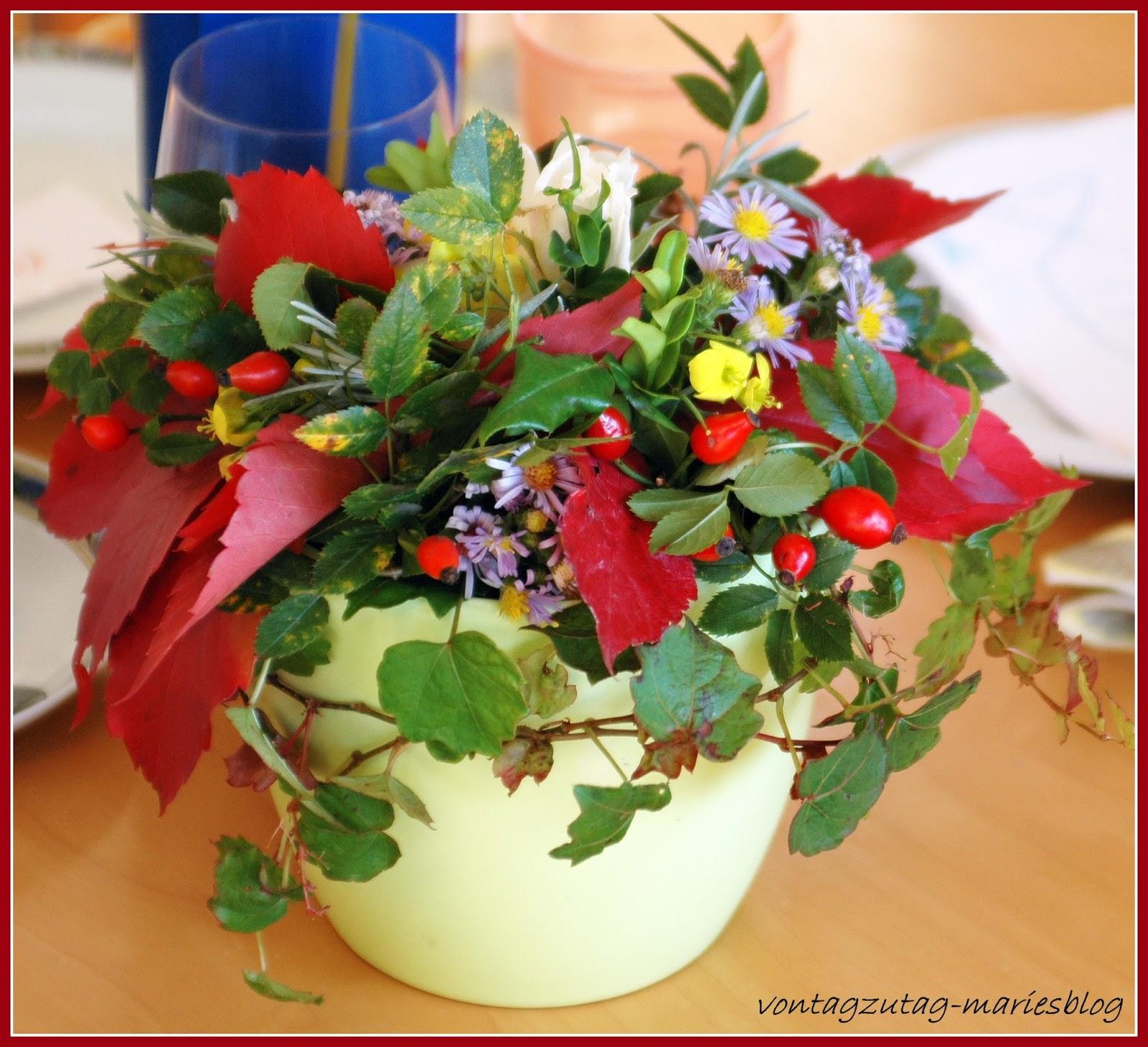 http://vontagzutag-mariesblog.blogspot.co.at/2013/09/herbstliche-tischdekoration.html