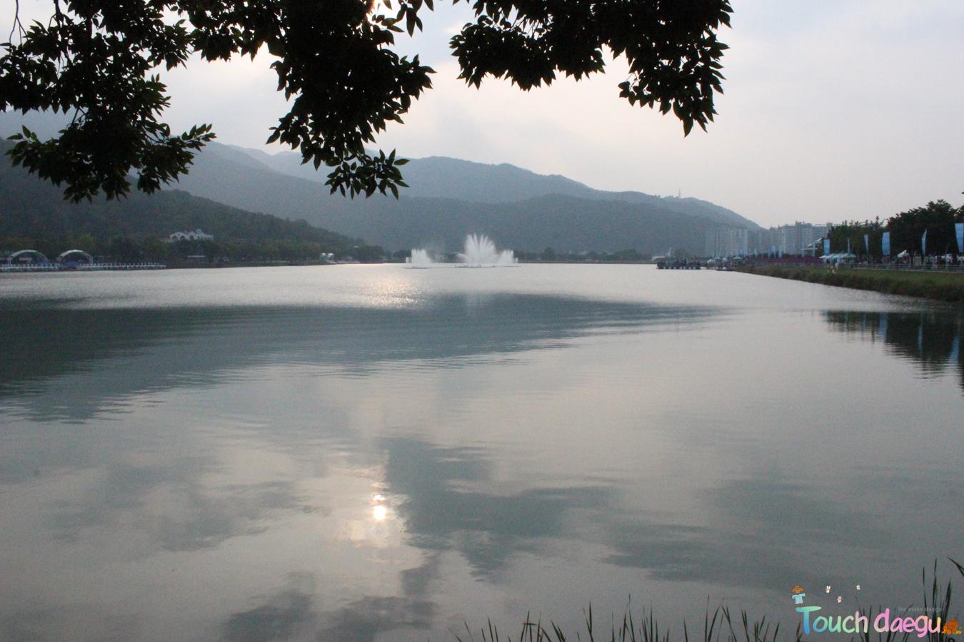 Suseong Lake