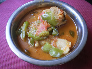 Chicken curry with capsicum