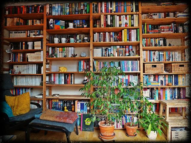 leben mit b chern 1. Black Bedroom Furniture Sets. Home Design Ideas