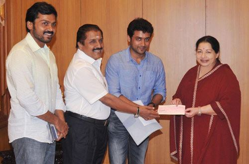 Actor Sivakumar Family Photos http://www.actorsuryablog.com/2012/01/rajinikanth-surya-karthi-meets-chief.html