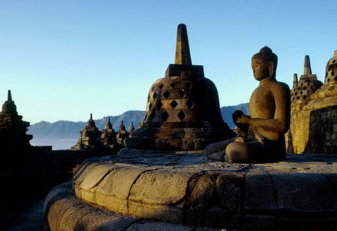 My Ple Re Misteri Pembangunan Candi Borobudur