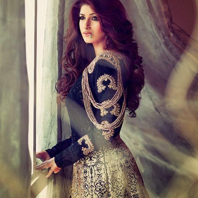 Akshay Kumar and Twinkle Khanna Cover Hello! Magazine India