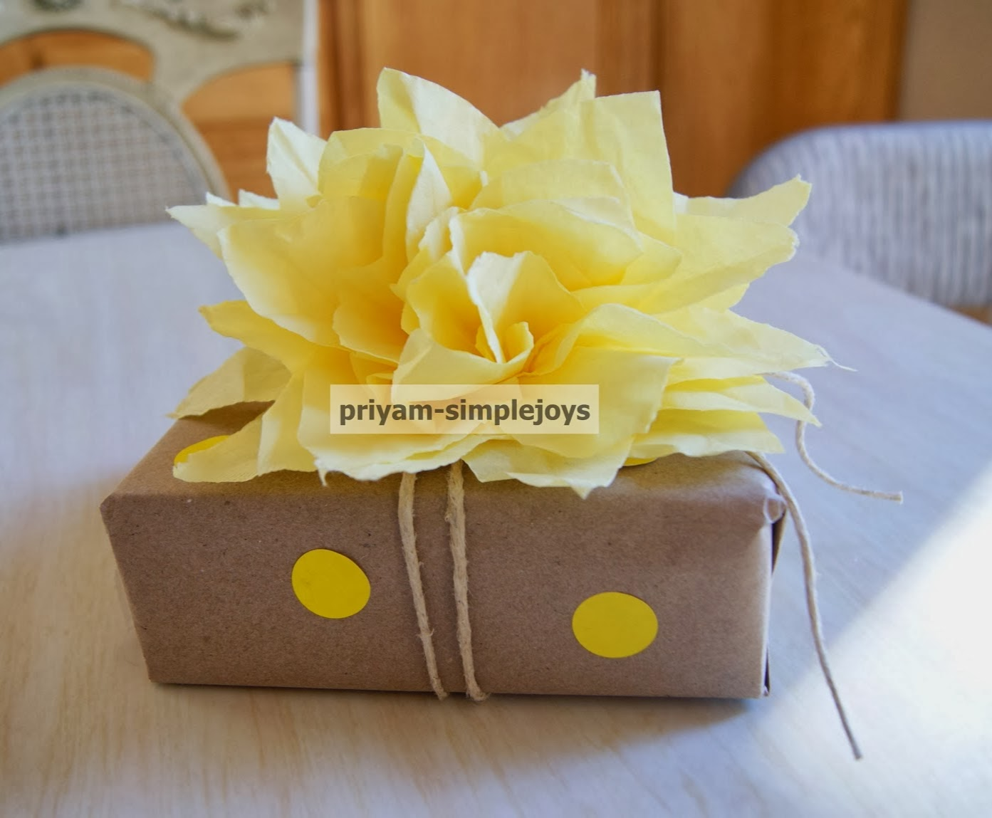 Gift wrapping ideas, shared by SimpleJoys