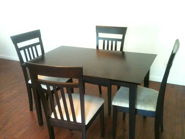 Craigslist Dining Table And Chairs Furniture 602