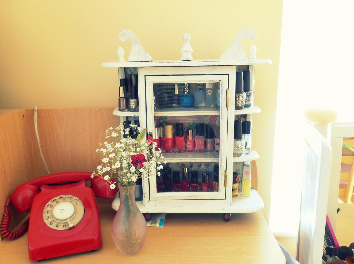 Make me up uk beauty blog make up reviews beauty tips nail polish display 1 find yourself an old cabinet you can pick one up from a charity shop car boot or maybe you have an old one at home solutioingenieria Choice Image