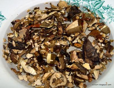 замачиваем сушенные белые грибы