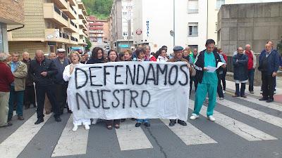 protestas frente al hospital Virgen del castañar