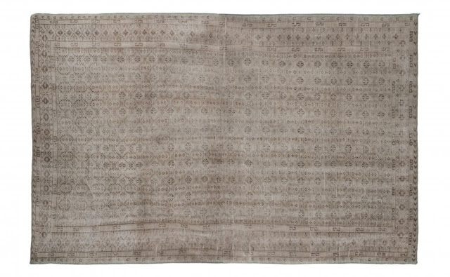Oushak rug 108 x 72 via Jayson Home as seen on linenandlavender.net