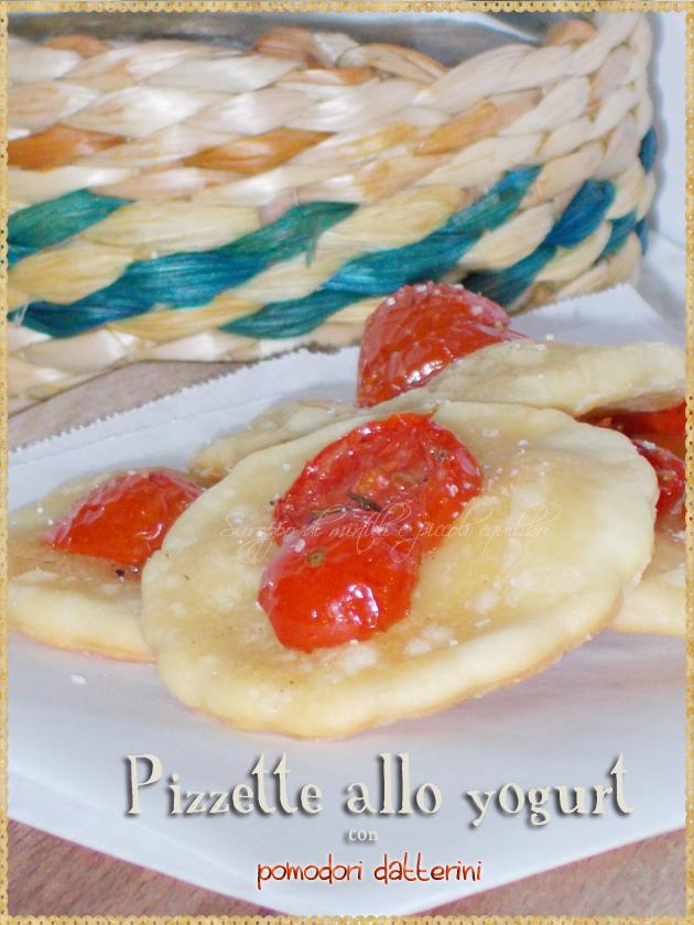 Pizzette allo yogurt con pomodori datterini