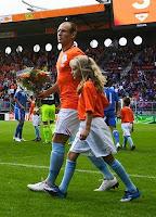 Na zdjęciu Arjen Robben w barwach reprezentacji Holandii