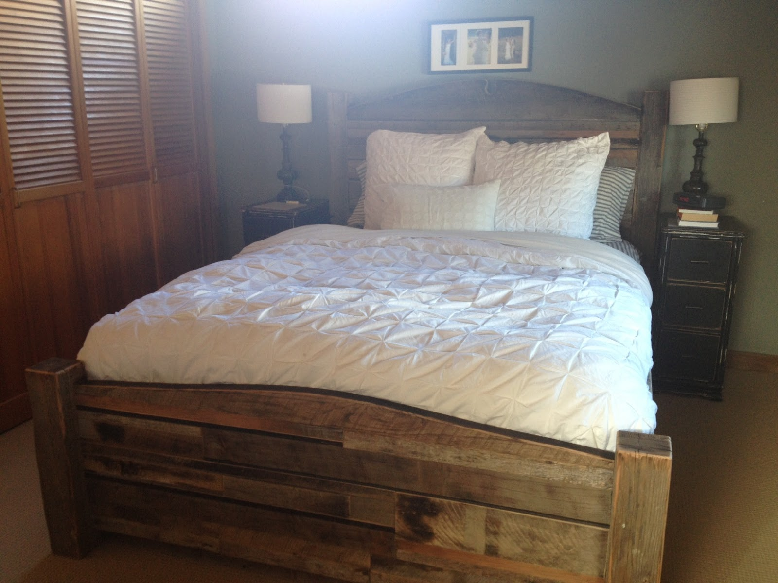 DIY Reclaimed Wood Bed Frame Plans Download queen platform bed plans ...
