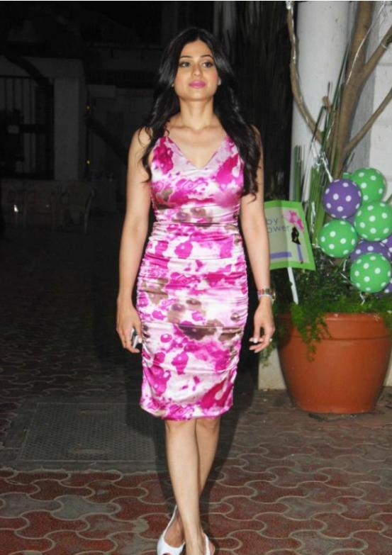 Shamita Shetty in Pink Floral Skirt @ Shilpa Shetty's Baby Showering