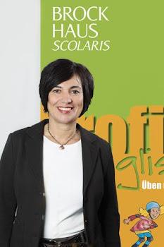"""Helga König im Gespräch mit Monika Lobeck, Leiterin  """"Neue Lernmedien"""" , BROCKHAUS SCOLARIS"""