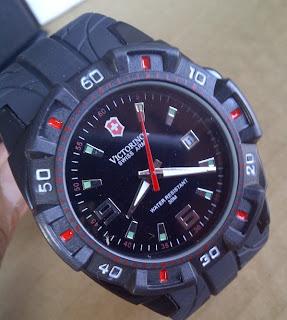 Jam tangan Swiss Army Victorinox Sport