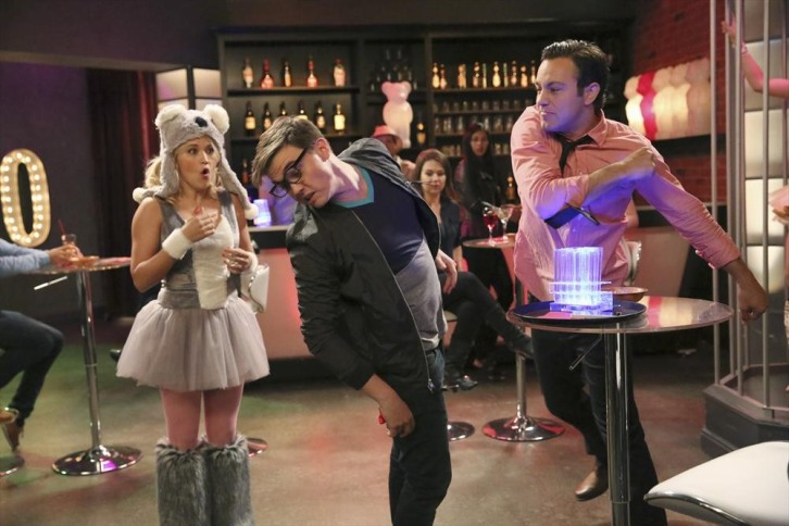 Young and Hungry - Episode 1.06 - Young & Punchy - Promotional Photos