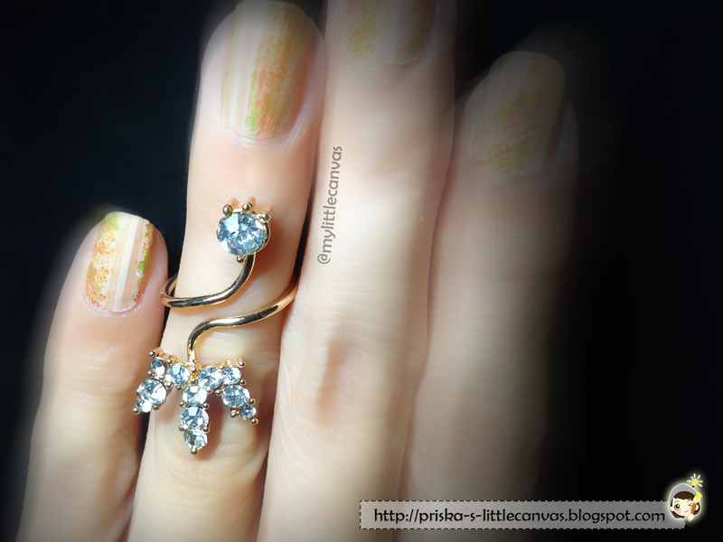 Classic Vintage Floral Nails (by @mylittlecanvas)