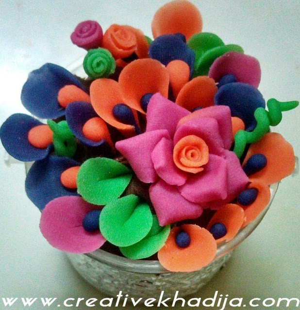 http://creativekhadija.com/2014/03/make-dough-flowers/